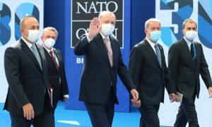 Erdoğan Brüksel'de: Macron, Johnson, Merkel, Miçotakis ve Rutte ile görüştü